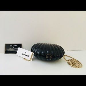 Authentic Chanel Clam Rare Clutch Black